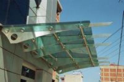 ekol metal - Ma�aza dekorasyon paslanmaz ma�aza standlarI paslanmaz ma�aza duvar sistemleri paslanmaz korkuluk
