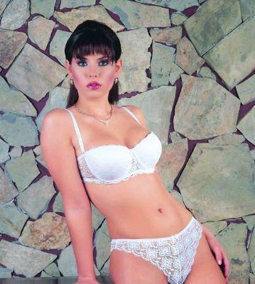 ipeksan lingerie - ipeksan, bir yandan d�nya i� giyim moda trendini yerinde ve zamanInda izleyerek, bir yandan da terci