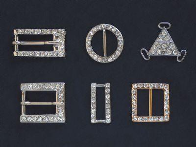 G�LER BiJUTERi - Metal ve tasli aksesuar imalatinda binlerce �esit �r�n�yle ve kaliteyi ilke edinen anlayisiyla 1994
