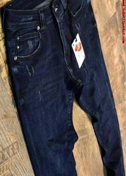 İran'dan Erkek Kot pantolonları ve Erkek Tisortlari talebi<br><br>Irandan toptan erkek kot pantolonları ve erkek tişortları toptan satıcısı <br><br>Türkiye'den, 20 tl-35 tl fiyatlar arası kalitelerde haftada 1000 adet erkek kot pantolunu, <BR>2,5 - 3 dolar fiyat aralıklarında haftalık 1000 adet erkek tişortları almak üzere imalatçı firmalardan fiyat teklifi ve resim istemekledir<br><br><br> erkek kot pantolonları, erkek kot pantolonu, erkek tişortlar, erkek tişortları, erkek tişortu