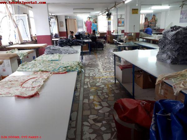 Devren Satýlýk Tüm Makina ve Ekipmanlarý ile Tekstil Fabrikasý( Penye Tiþort, Pijama, Gecelik için ideal )<br><br>Çalýþýr durumda,  her çeþit Tekstil üretimine uygun,  Ýkitelli tem giþelerine yürüyerek 5 dk. mesafede,  asansörlü,  Stopaj dahil 11.000 TL kirasý olan tekstil fabrikamýzý içindeki tüm makina,  masa,  mutfak ekipmanlarý,  ofis mobilya ve ekipmanlarý,  modelhane yazýlým ve bilgisayarlarý,  kesim masalarý,  pastal makinalarý ve kesim motorlarý ve diðer eþya ve akipmanlarý ile devir edilecektir. <br><br>fiyatlarý ilgilenen kiþiler ile detaylý olarak paylaþýlacaktýr.<br><br<Makina parký ve Techizat listesi<br><br>ZEMÝN KAT (BODRUM)<br><br> Dalga Kýran Kompresör 2 adet<br>Muhtelif ebatlarda depo raflarý 10 adet<br>Otomatik paket baðlama makinasý 1 adet<br>10 tonluk paslanmaz su deposu ve hidrofor 1 adet<br>Tamir ekipmanlarý (Pense, Çekiç, Matkap vs.)<br><br>GÝRÝÞ KAT<br><br>Personel giriþ kart basma makinasý 1 adet<br>Baster marka kumaþ tartma kantarý 300 kg 4 adet<br>El forklifti 250 kg lik 1 adet<br>Özbilim marka tüp pastal atma makinasý (sýfýr) 1 adet<br>18 metrelik Tüp pastal serim masasý, Ayaklarý ve suntasý 18 metre<br>Kumaþ taþýma arabasý 1 adet<br>12 bölüm çelik raflar (kumaþ istifi için) 12 bölüm<br>Açýk en kumaþ taþýma arabasý 1 adet<br><br>1. KAT (KESÝMHANE)<br><br>Baster marka kumaþ tartma kantarý 300 kg 1 adet<br>16 metrelik açýk en kumaþ serim masasý (2 metrelik) 1 adet<br>Özbilim otomatik Açýk en kumaþ serim makinasý 1 adet<br>Özbilim otomatik Açýk en kumaþ açma makinasý 1 adet<br>Özbilim katlý kumaþ dinlendirme masasý 1 adet<br>Çelik soyunma dolabý 12 bölüm<br>Brother marka singer býçaklý makine 1 adet<br>Dino marka otomatik biye kesim makinasý 1 adet<br>Özbilim otomatik tüp biye kesim makinasý 1 adet<br>Özbilim tüp kumaþ serim masasý 180 cm lik 12 metre<br>Tesan hýzar kumaþ serim makinasý (havalý) 1 adet<br>Çift kafalý ip aktarma makinasý 1 adet<br>Tüp kesim makinasý cetvelleri (muhtelif sayýda)<br>Mayamin matka kumaþ kesim motoru 1 adet<br>E
