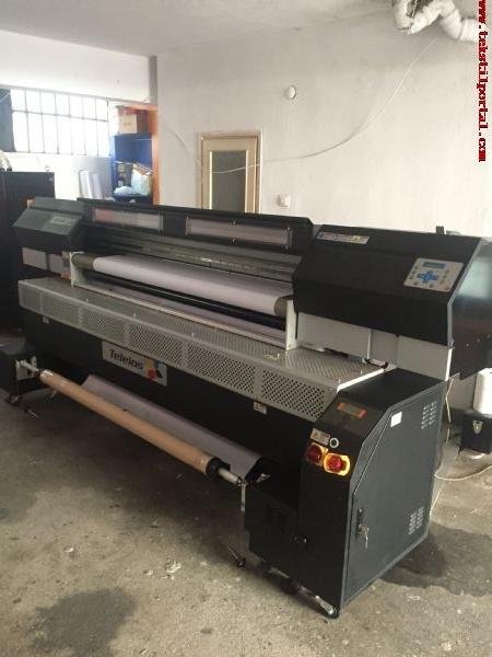 Satılık sıfır ayarında Tekstil dijital baskı makinası.  +90 506 909 54 19 Whatsapp<br><br>Dijital baskı makinamız d-gen teleios marka olup fikseli filitreli d4 kafa kulanılmaktadır saate 50 mt2 baskı hızı sıfır ayarında çaılmaktadır  bizler bayrak flama  afiş poster üretiminde kulanmaktayız satış nedenimiz iş değişikliği 50 avroya satın aldık  23 bin avroya satıyoruz<BR><BR><BR>Satılık tekstil dijital baskı makinası, Satılık tekstil dijital baskı makinesi, Satılık tekstil dijital baskı makinaları, Satılık tekstil dijital baskı makineleri, ikinci el tekstil dijital baskı makinası, ikinci el tekstil dijital baskı makinesi, ikinci el tekstil dijital baskı makinaları,  Satılık bayrak dijital baskı makinası,  Satılık bayrak baskı makinesi, Satılık dijital baskı makinası, ikinci el dijital baskı makinası.