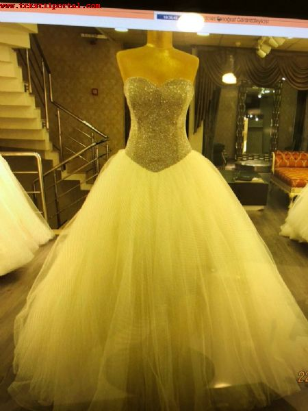 150 PIECES OF WEDDING DRESSES FOR SALE <br><br>Stock quality 1st wedding dress, Corset wedding dress will be sold <br> <br> All 38 sizes (Bodies can be adjusted) <br> <br> Wedding dresses price will be sold 150 USD and 150 Pcs wholesale <br> <br> <br>