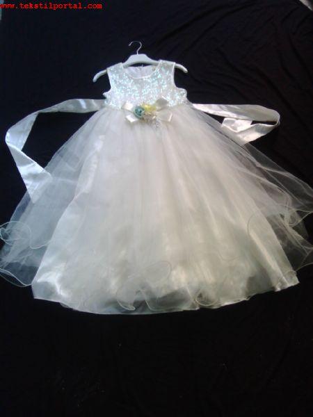 ЭКСПОРТ больше девочек свадебное платье<br><br>200 штук свадебных девочек. экспортировать больше. Два отдельных моделей. Каждый  Есть 100 штук от модели. Размеры 8-14 лет. Цвет  Белый. Существует $ 19 цена акций и торг.